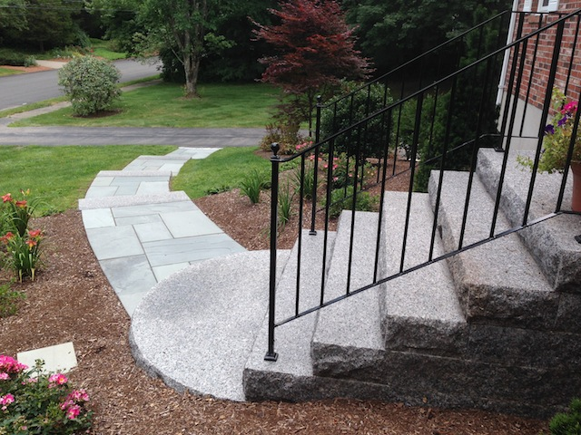 Caledonia Granite Steps with Radius Bottom(640x480).jpg