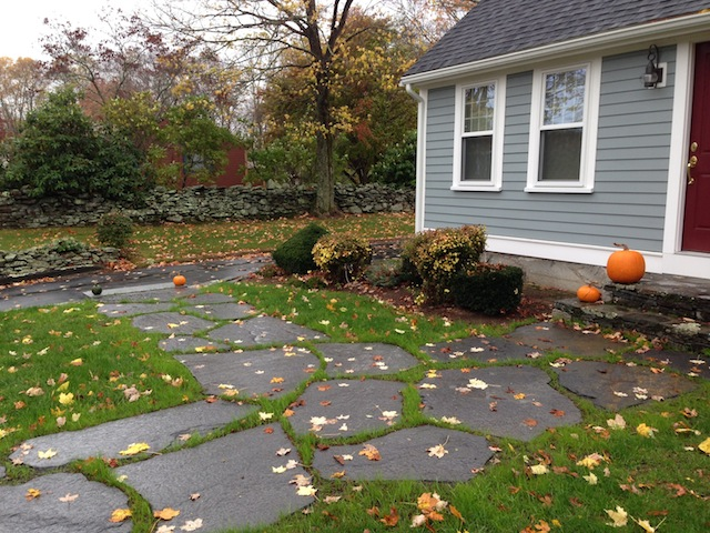 Wonderful Goshen Stepping Stones With Grass Between Form A Walkway That Blends Nicely  Into The Surroundings. Goshen Stone Is Strong Enough To Allow Tractor Drive  ...