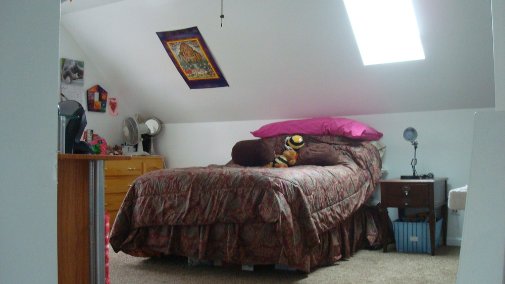 Bedroom on The 2nd Floor Of This Comfortable Rochester Home For Rent Perfect For Students
