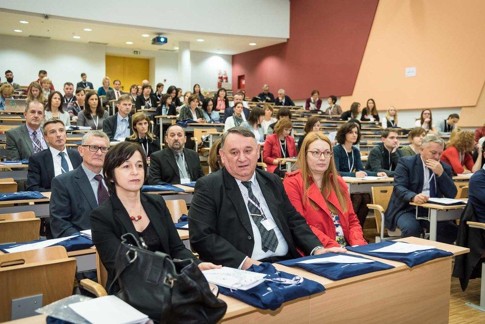 fotografiranje-poslovne-konferencije-Zagreb-fakultet-7911.jpg