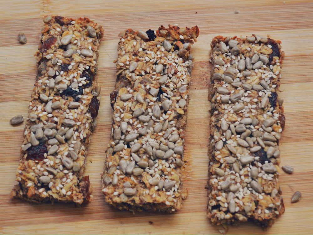 Tahini, Sunflower, and Apricot Granola Bars www.anatolian-kitchen.com