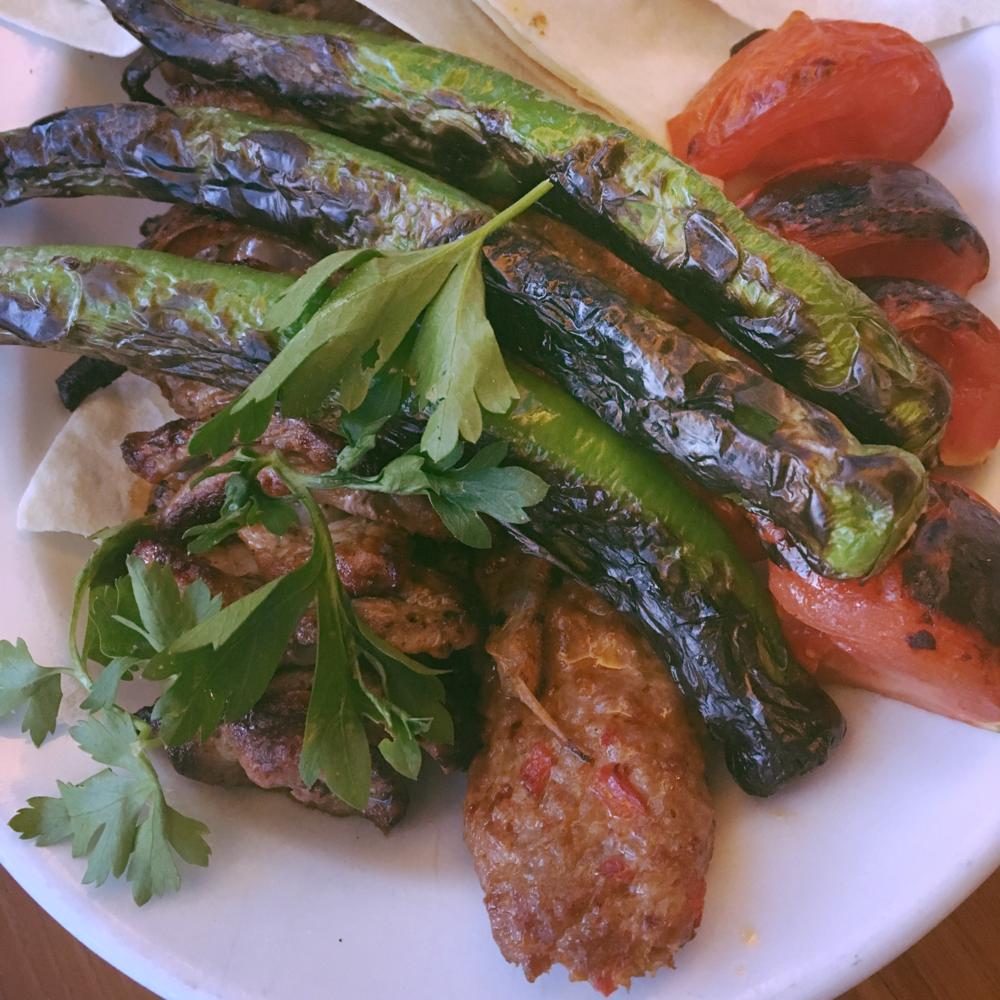 Spicy Adana kebabı at Köşebası