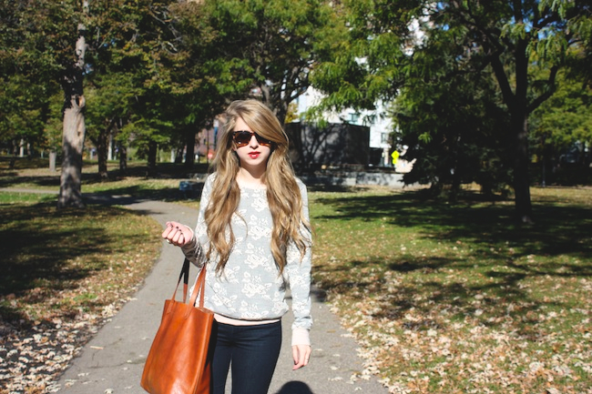 chelsea+lane+zipped+truelane+blog+minneapolis+fashion+style+blogger+madewell+denim+converse+chuck+taylor+off+white+transport+tote+bb+dakota+lilyandviolet+maybelline+color+elixir+warby+parker3.jpg