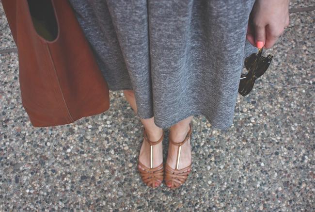 chelsea_lane_zipped_blog_minneapolis_fashion_blogger_madewell_sweatshirt_dress_dolce_vita_zen_sandals_transport_tote_warby_parker_thatcher_sunglasses_sbg_designs_beacelet_color_club_reign_in_spain1.jpg