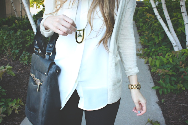 chelsea_zipped_blog_minneapolis_fashion_style_blogger_madewell_jewelmint_j.crew_pixie_pants_chinese_laundry_vince_camuto_warby_parker2.jpg