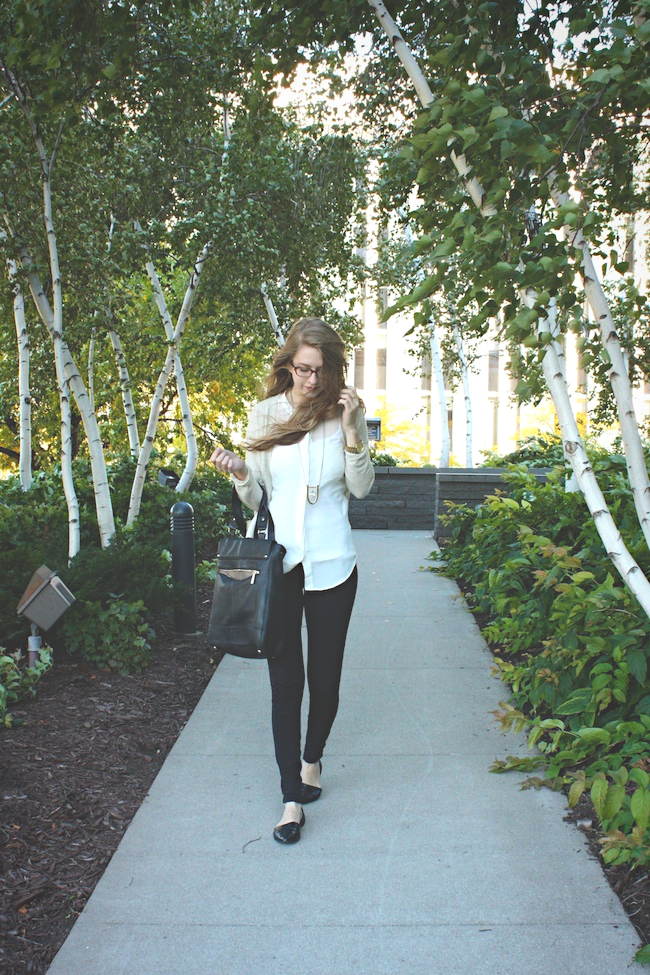 chelsea_zipped_blog_minneapolis_fashion_style_blogger_madewell_jewelmint_j.crew_pixie_pants_chinese_laundry_vince_camuto_warby_parker1.jpg