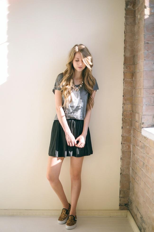 chelsea+lane+zipped+truelane+blog+old+navy+pbj+boutique+skirt+vans+custom+slip+ons4.jpg