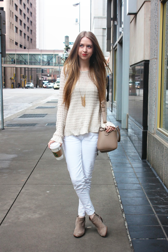 minneapolis_fashion_blog_blogger_zipped_delias_openknit_sweater_levis_535_denim_legging_jeans_sam_edelman_petty_ankle_boots_putty_center_part_hair_blonde_starbucks_francescas_handbag1.jpg