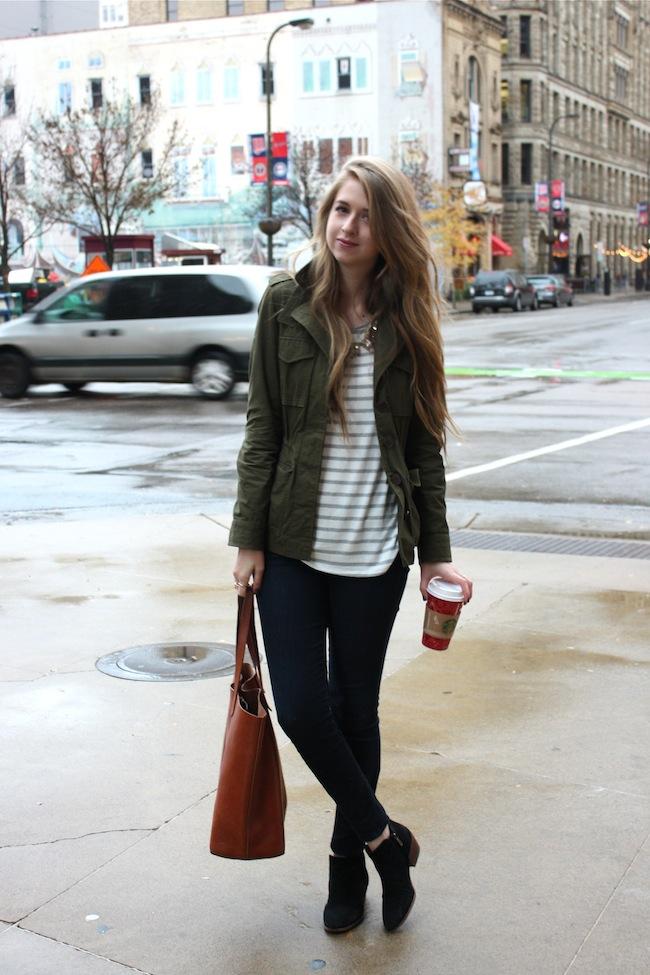 chelsea+lane+zipped+truelane+blog+minneapolis+fashion+style+blogger+madewell+forever+21+gap+denim_leggings+madewell+all+weather+jacket+sam+edelman+petty+boots+black+transport+tote+starbucks+holiday+cups4.jpg