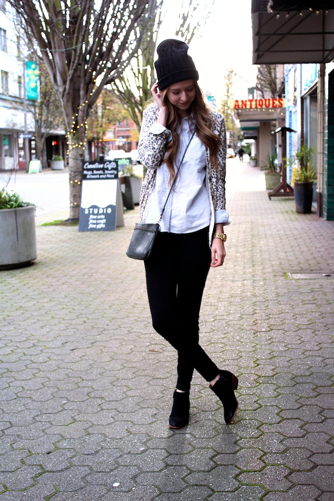 minneapolis_fashion_blog_michaelkors_knithat_eddiebauer_chambrayshirt_forever21_leopardcardigan_jcrew_pixiepants_samedelman_pettyboots1.jpg