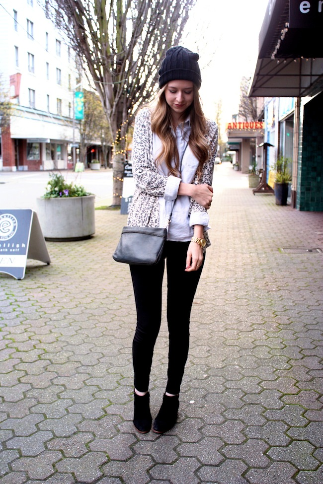 minneapolis_fashion_blog_michaelkors_knithat_eddiebauer_chambrayshirt_forever21_leopardcardigan_jcrew_pixiepants_samedelman_pettyboots2.jpg