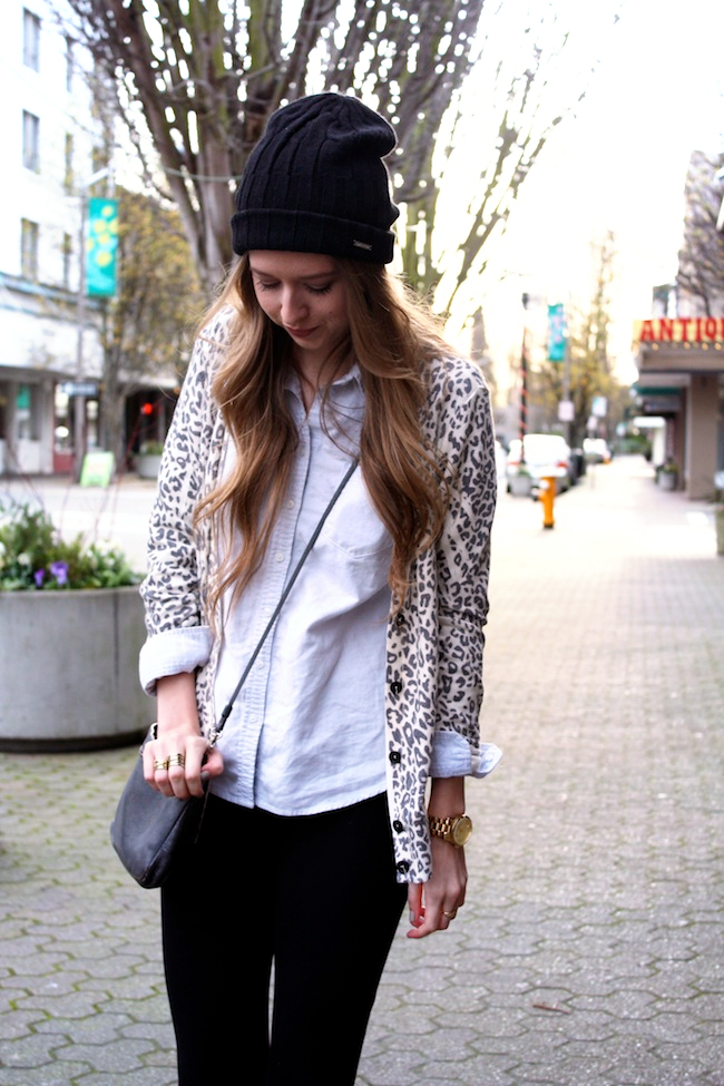 minneapolis_fashion_blog_michaelkors_knithat_eddiebauer_chambrayshirt_forever21_leopardcardigan_jcrew_pixiepants_samedelman_pettyboots3.jpg