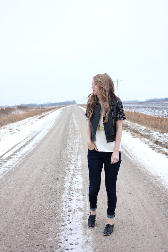chelsea+lane+truelane+zipped+blog+minneapolis+fashion+style+blogger+lily+and+violet+cber+monday+jcrew+tweed+sleeve+tee+bb+dakota+virgo+leather+vest+sam+edelman7.jpg