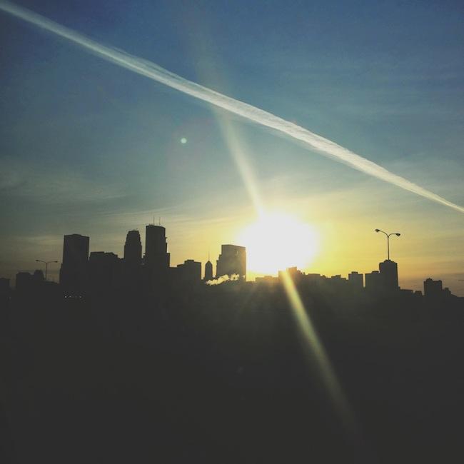 downtwon_minneapolis_skyline_sunrise_zipped_blog.JPG