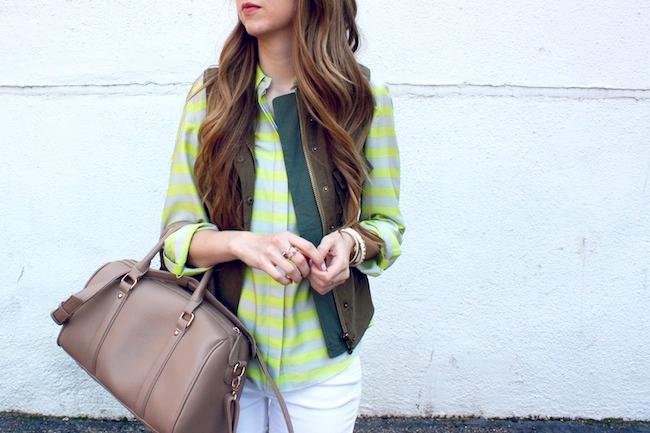 chelsea_zipped_ann_taylor_striped_button_up_parc_boutique_costa_blanca_vest_white_jeans_levis_denim_leggings_mia_francescas4.jpg