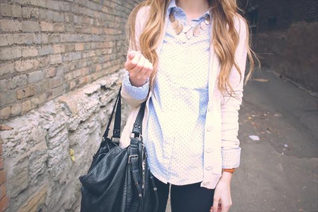 minneapolis_fashion_blogger_gap_polkadot_buttonup_pixiepants_jcrew_black_velvet_loafers3.jpg