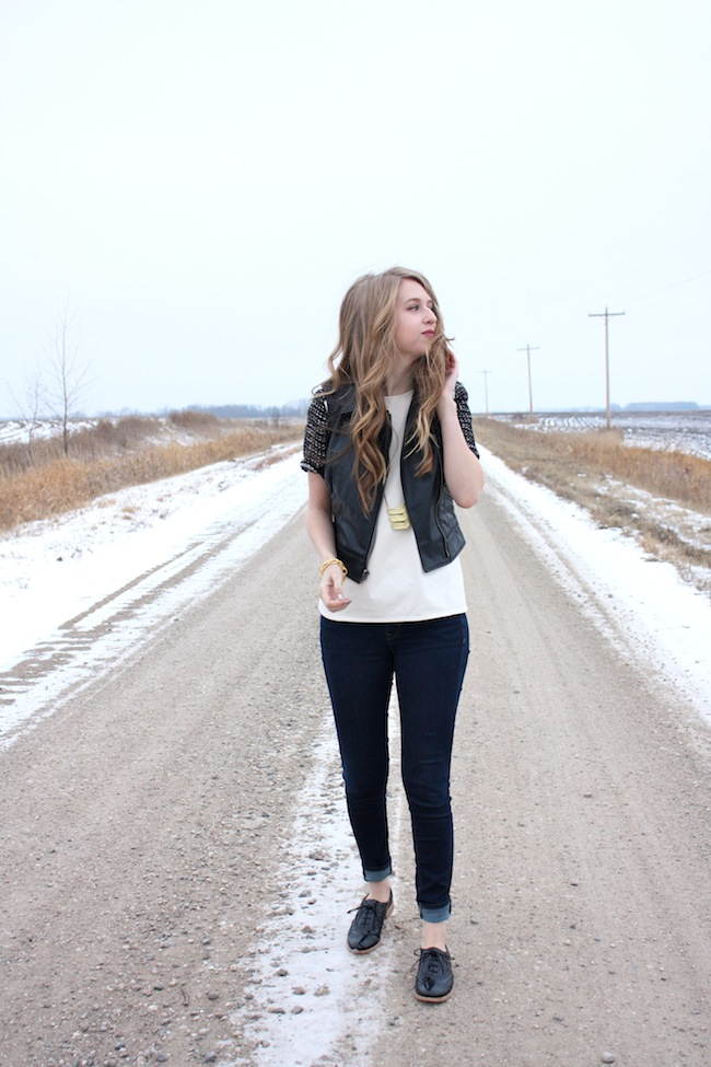 chelsea+lane+truelane+zipped+blog+minneapolis+fashion+style+blogger+lily+and+violet+cber+monday+jcrew+tweed+sleeve+tee+bb+dakota+virgo+leather+vest+sam+edelman4.jpg