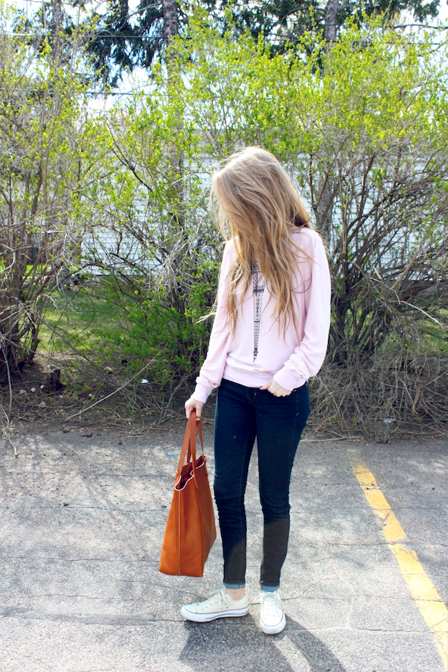 chelsea_lane_zipped_minneapolis_fashion_blog_blogger_wildfox_couture_eiffel_tower_baggy_beach_jumper_gap_1969_skinny_jeans_converse_low_off_white_madewell_transport_tote_monogrammed2.jpg