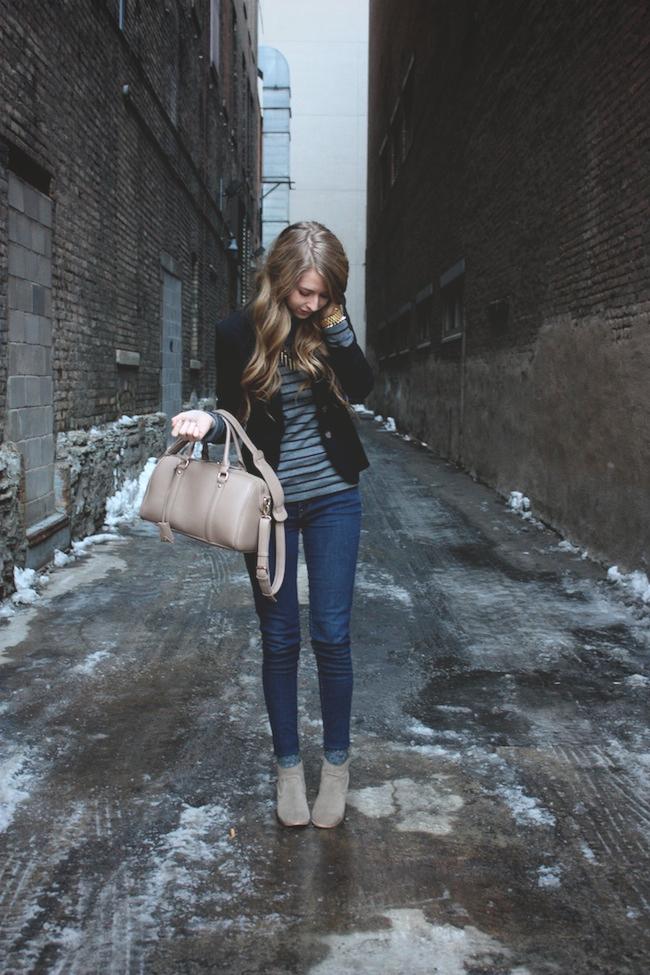 mineapolis_fashion_blog_H&M_blazer_gap_stripetee_levis_denimleggings_dolcevita_jamison_ankleboots_francescas_handbag.jpg