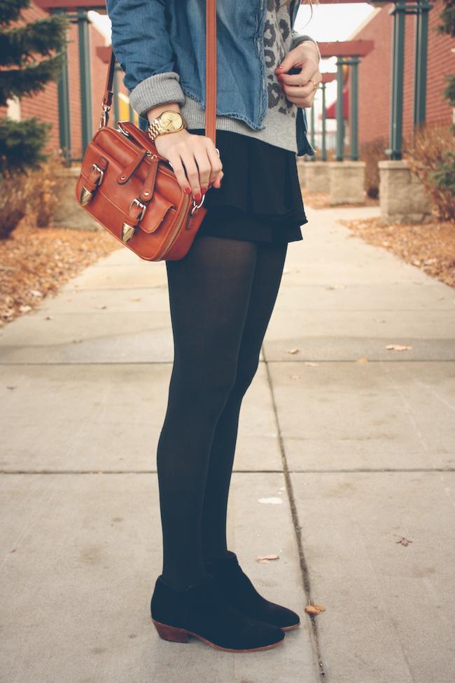 minneapolis_fashion_blog_lineanddot_samedelman_petty_ankleboots_denimshirt_leopard_sweater_gap_francescas4.jpg