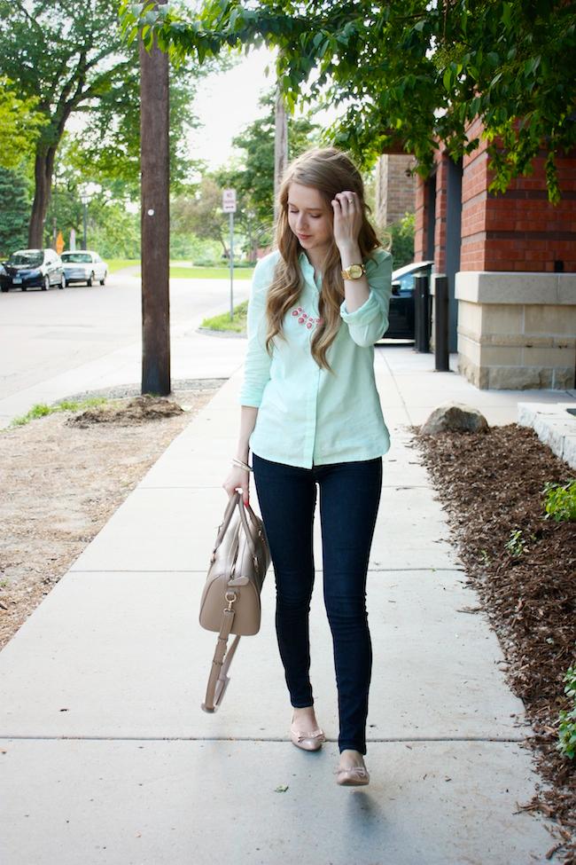 chelsea_lane_zipped_minneapolis_fashion_blog_blogger_gap_mint_oxford_denim_leggings_nine_west_patent_bow_flats_francescas_handbag_lily_and_violet2.jpg