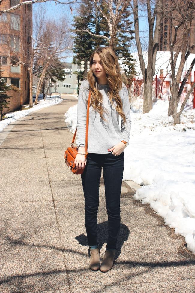 chelsea_lane_zipped_fashion_blog_minneapolis_madewell_gap_denim_leggings_sam_edelman_petty_putty_francescas_crossbody4.jpg