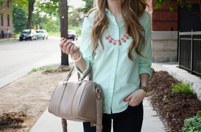 chelsea_lane_zipped_minneapolis_fashion_blog_blogger_gap_mint_oxford_denim_leggings_nine_west_patent_bow_flats_francescas_handbag_lily_and_violet3.jpg