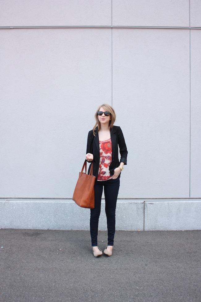 chelsea_lane_zipped_minneapolis_fashion_blog_blogger_urban_Outfitters_hm_blazer_gap_denim_leggings_mia_abie_flats_madewell_transport_tote3.jpg