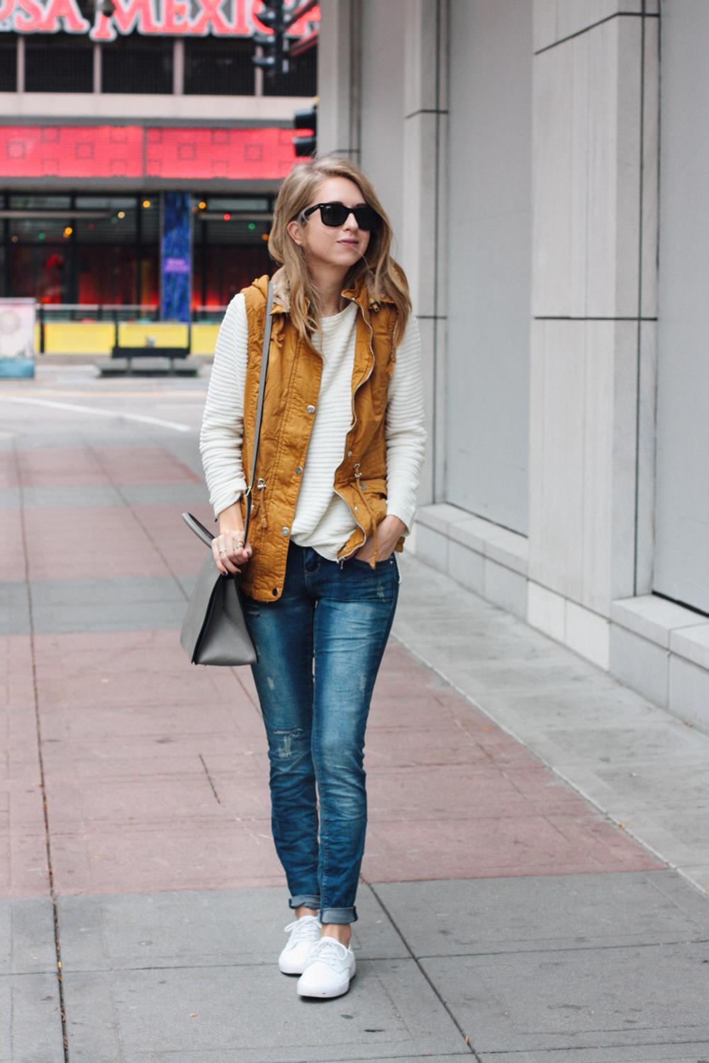 truelane in YMI jeans.png