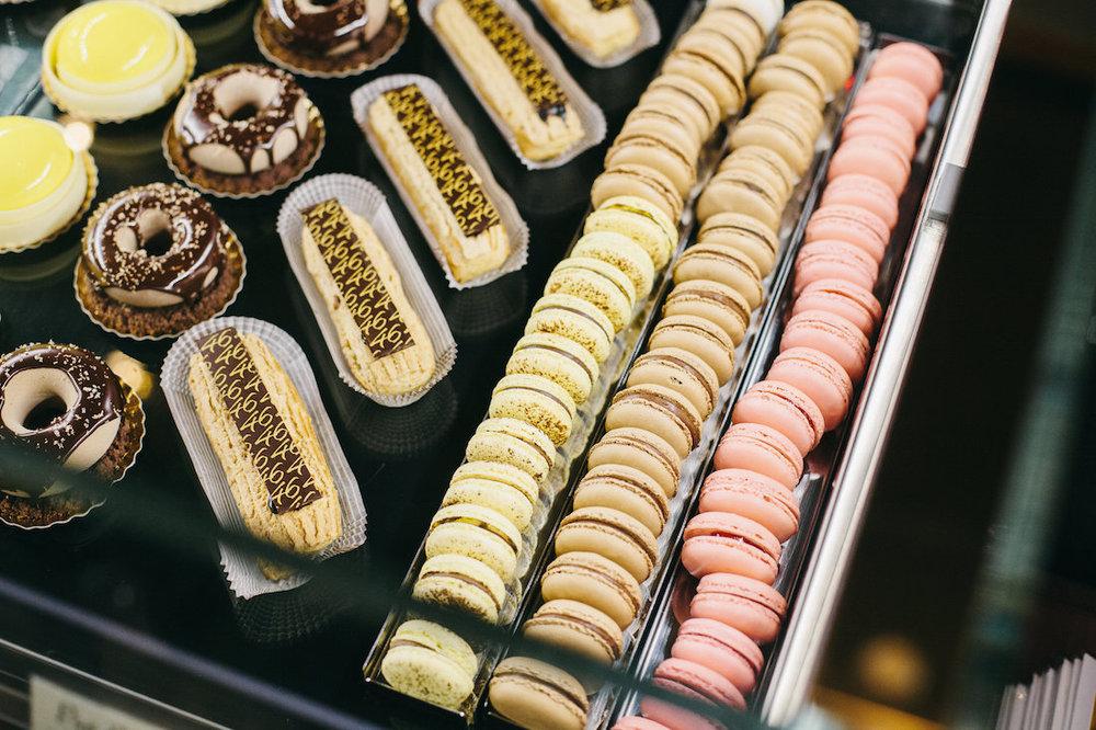 Patisserie 46 macarons.jpg