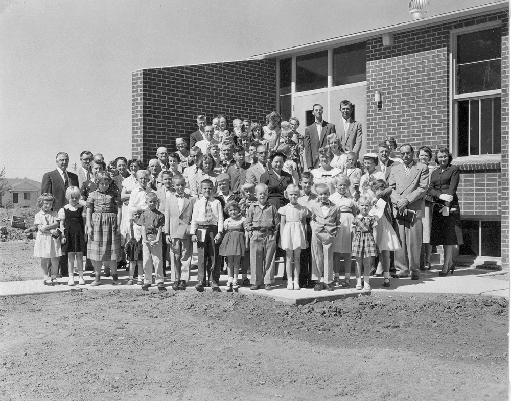 Sept 1957 Congregation.jpg