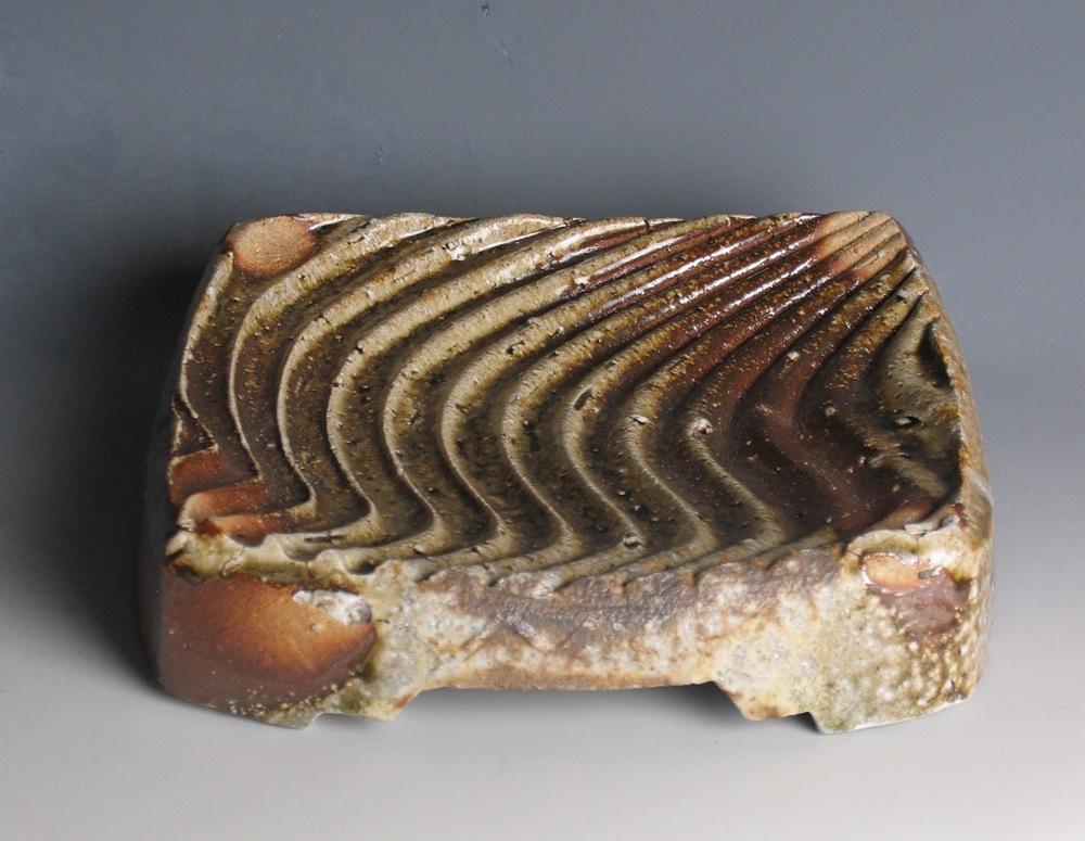 Wavy platter, natural ash