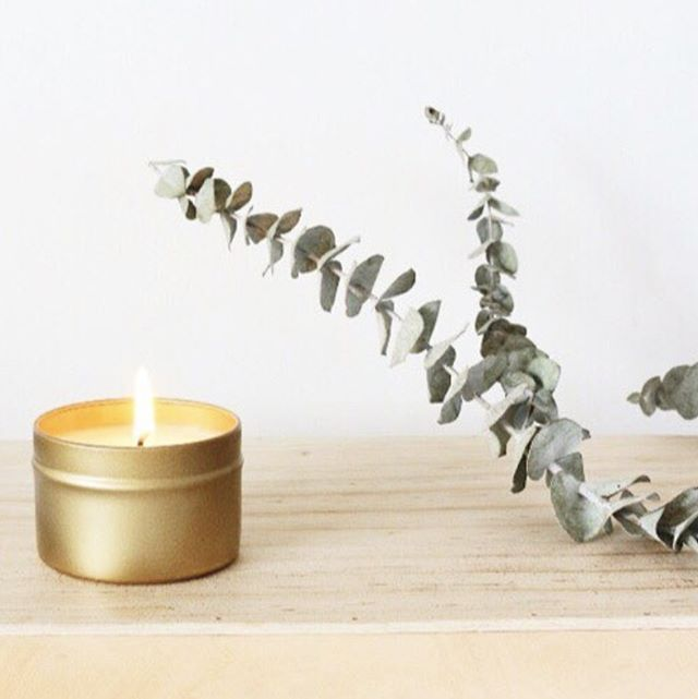 Treat your mom to a lovely candle making workshop with @nordicfoxdesignco, this Saturday May 12 from 2:00-4:00 pm! You'll have a fun afternoon of creating your own candle scents and taking home 2 candles! Sign up at http://ohfshop.com/workshops/ 🔥