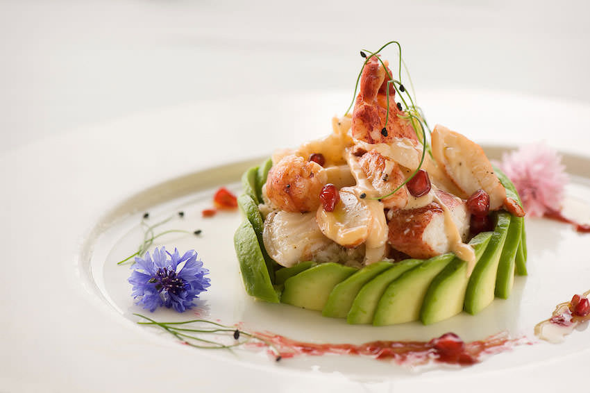BiCE Mare dinner menu offers a wide range of mouth-watering Italian and seafood dishes.