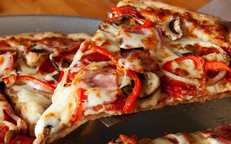 Lahaina_Pizza_Paradiso_Slice_Pepperoni_800x400.jpg