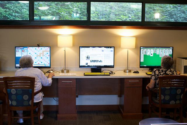 Full internet café