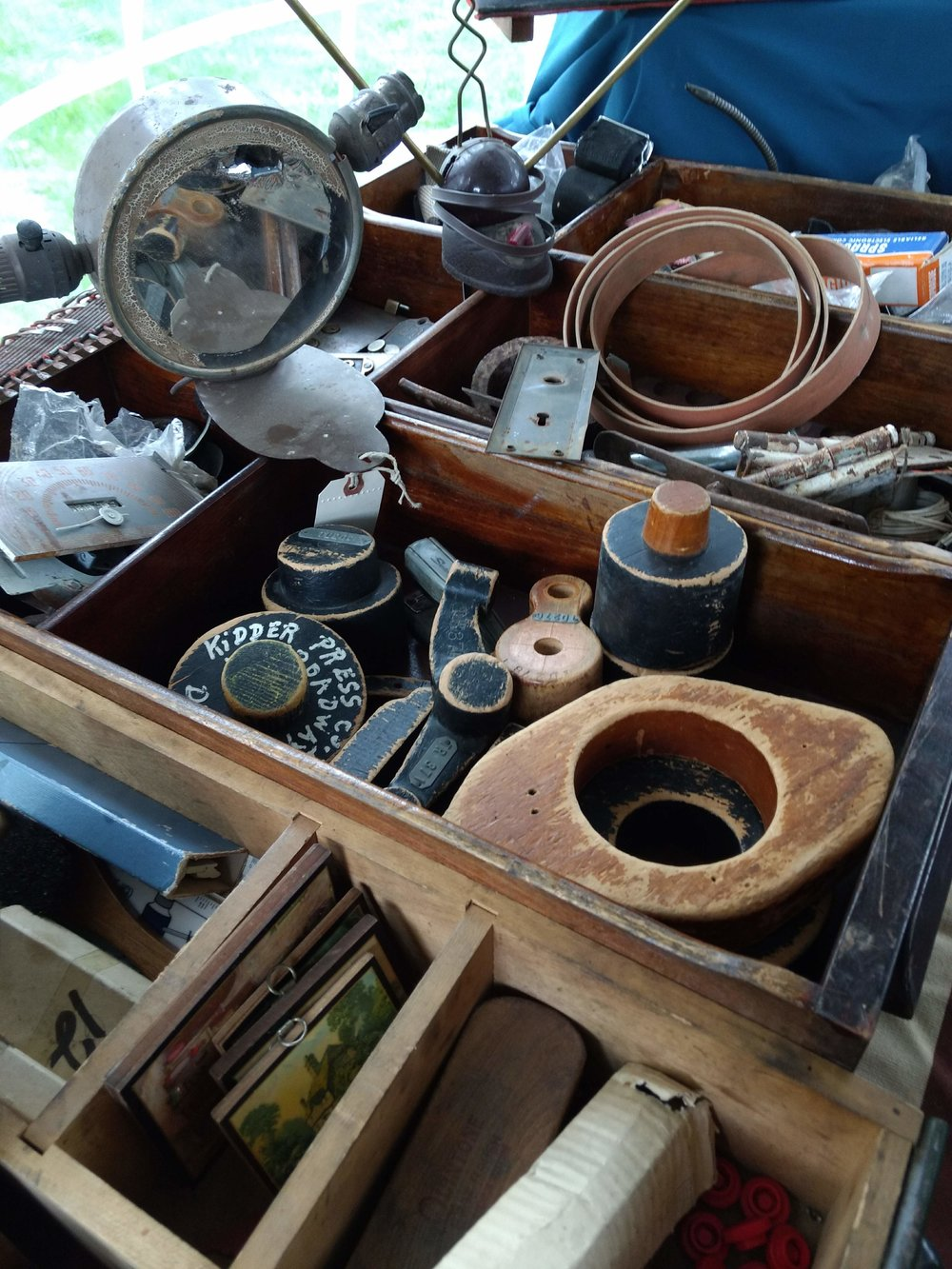 Freighthouse Unhinged Antiques & Vintage