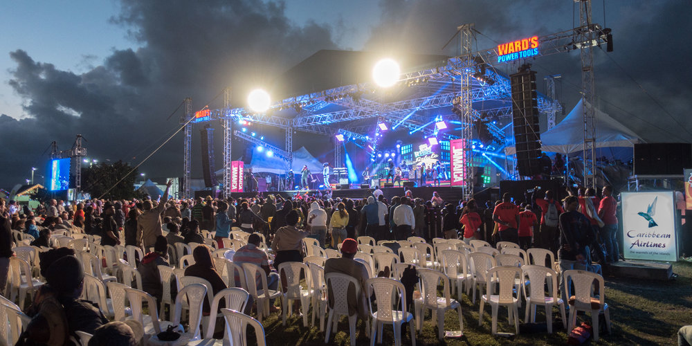 An impressive stage and superb sound keep patrons on their feet