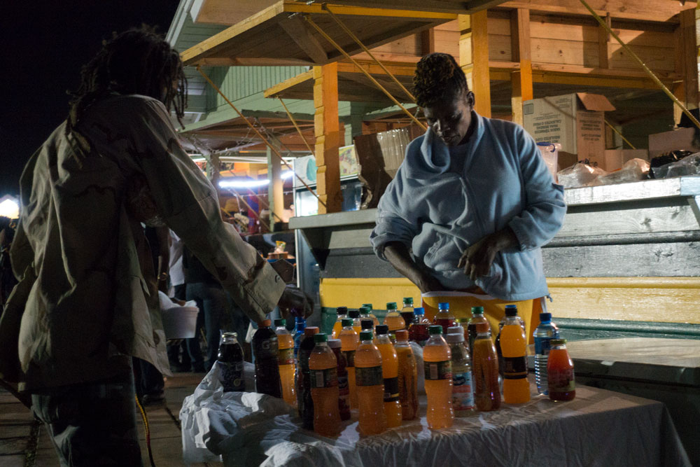 No alcohol but a huge variety of natural drinks and juices on offer
