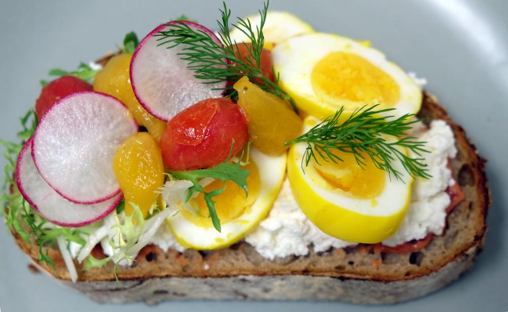 tumeric egg tartine 1.jpg