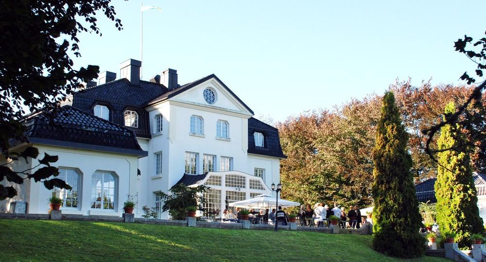 Manor accomodations