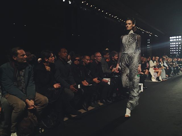 #STYLEFANSHOWS #PFWSS16 #RUNWAY: #AnnDemeulemeester - printed feathers chiffon jumpsuit. @anndemeulemeester_official #stylefan #anndemeulemeesterss16 #pfw #ss16