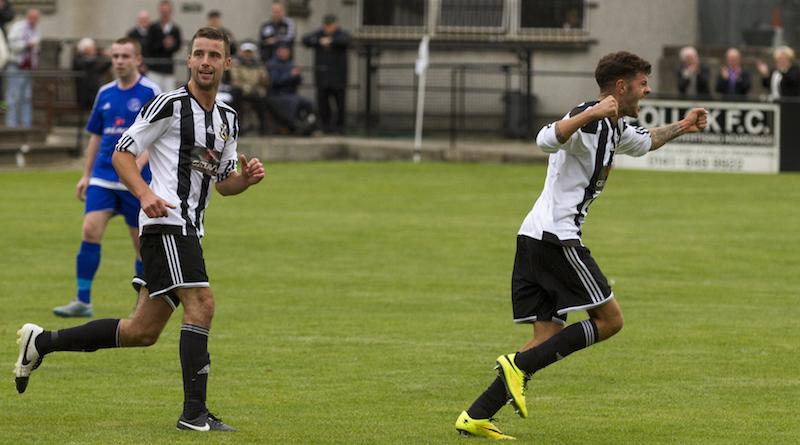 6927 - Del Hepbrun celebrates his goal w: Colin Williamson copy.jpg