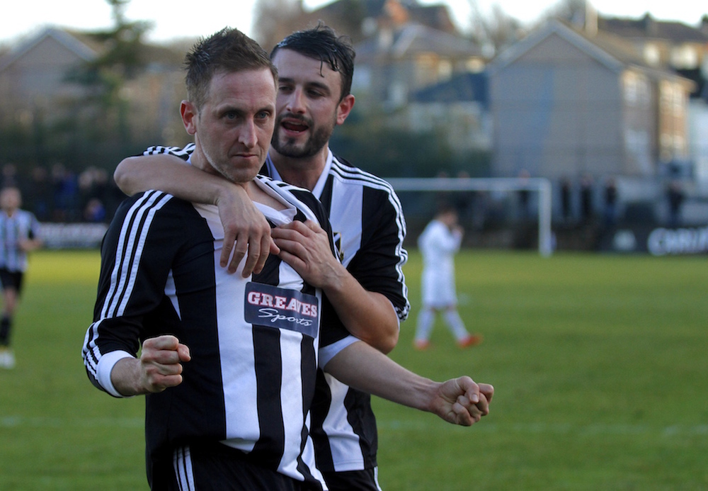 Pollok open 2015 with a stunner of a match. Lok beat Shettleston 4-3 at Newlandsfield to extend the lead at the top of the table.