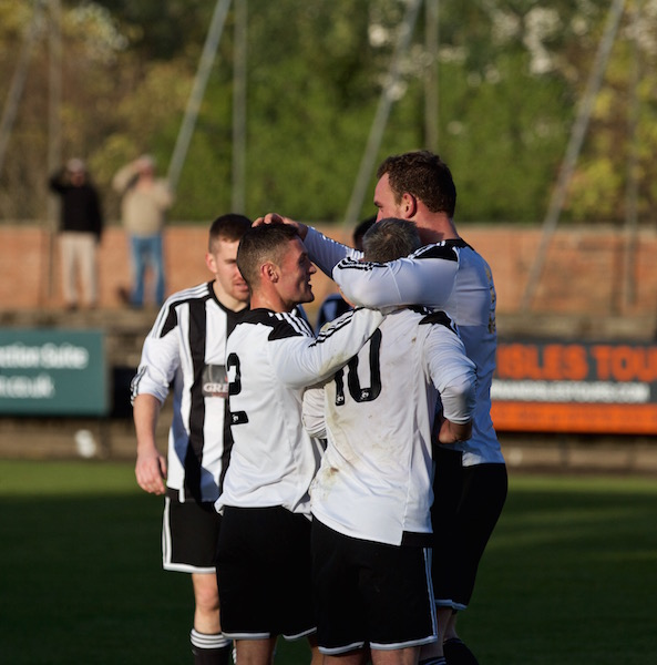 The Giant, Chris Walker scores again! Lok beat Yoker 3-1.