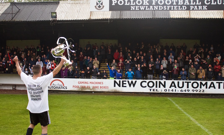 Right Back, Tam Hanlon wins Pollok FC Player of the Year 2014-15