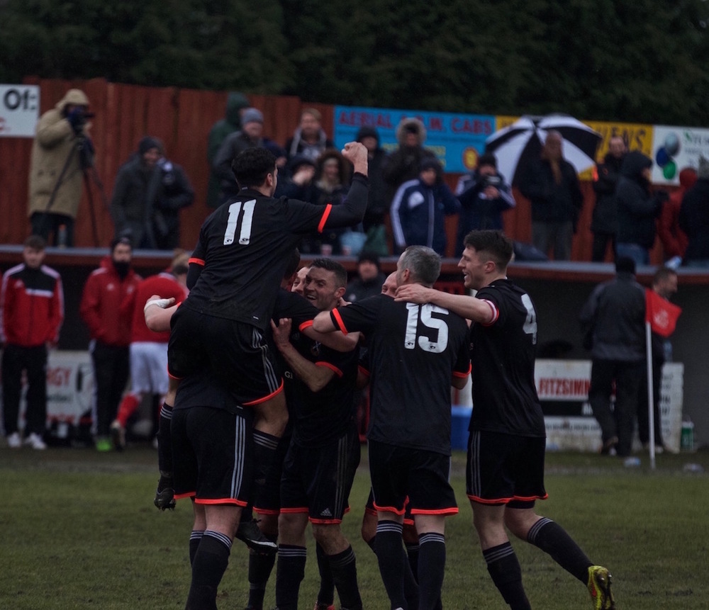 28 - Pollok celebrate the Chris Walker's goal! copy.jpg