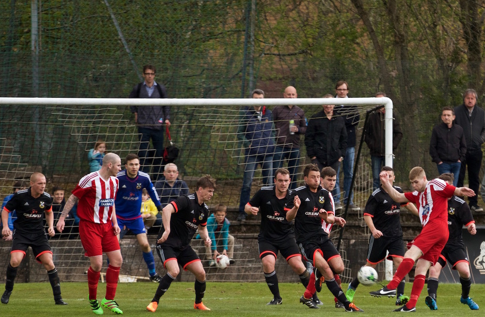 23 - Pollok FC Defend copy.jpg