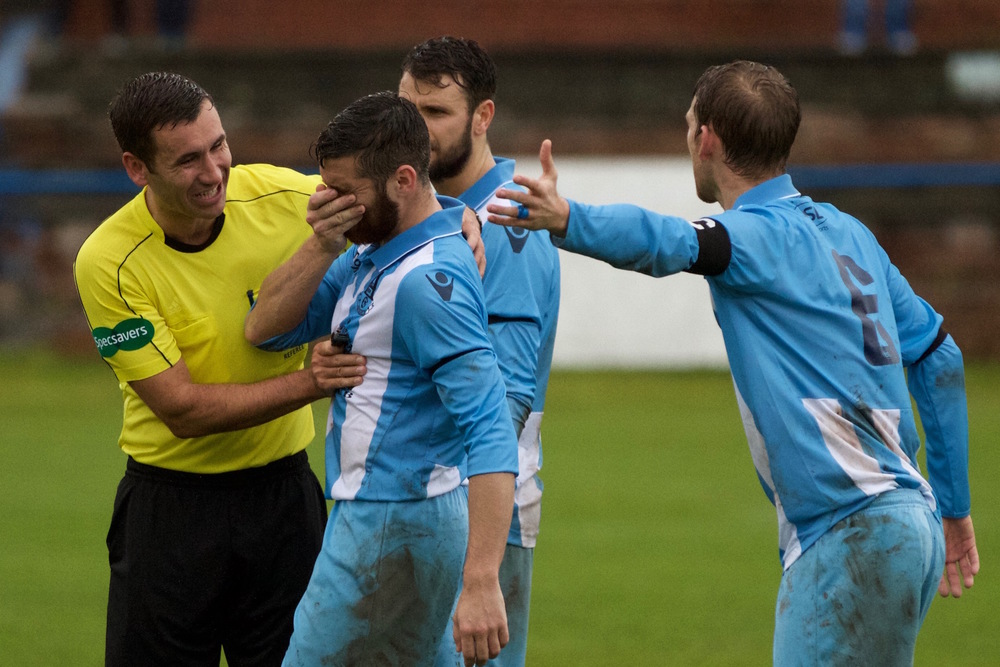 9 - The referee hits an Arthurlie player in the face copy.jpg