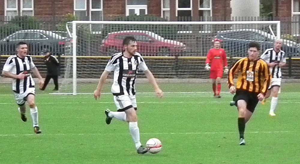 11- Gary McCann leads another Pollok charge.JPG